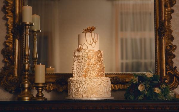 свадебный торт с золотом