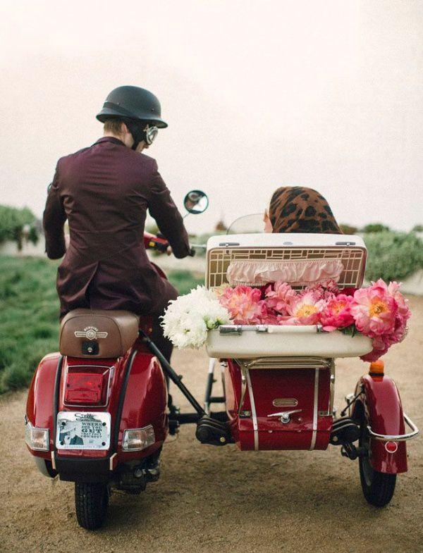 скутер на винтажной свадьбе