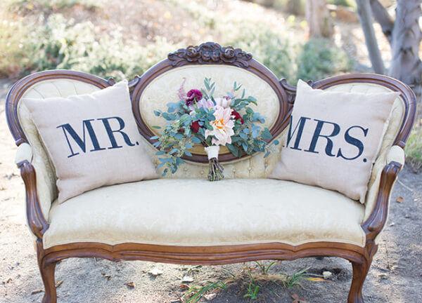 винтажная мебель на свадьбе