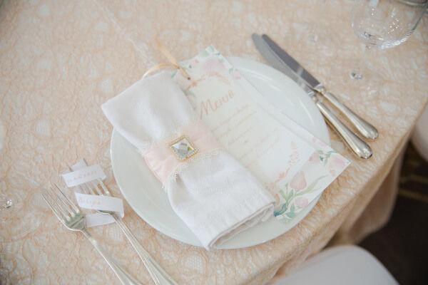 декор свадьбы весной