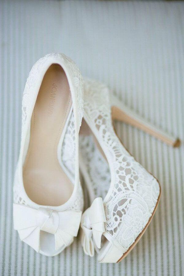 свадебные туфли с кружевом