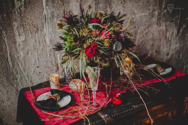 Свадьба в готическом стиле флористика