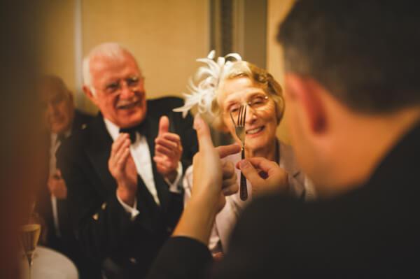 конкурсы на свадьбу для гостей за столом