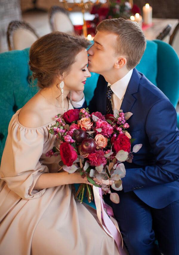 букет невесты с гранатом