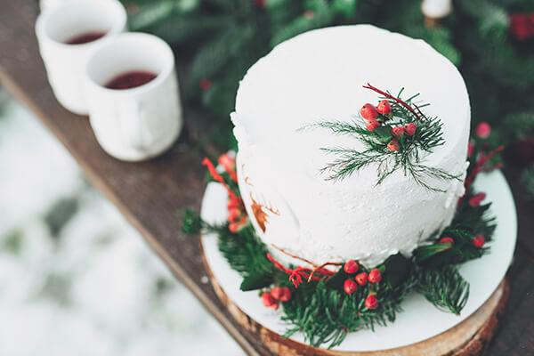 торт на зимней свадьбе
