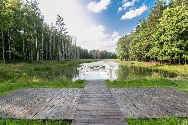 Дом у озера площадка для свадьбы