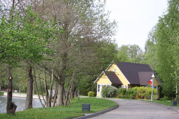 отель Белые аллеи