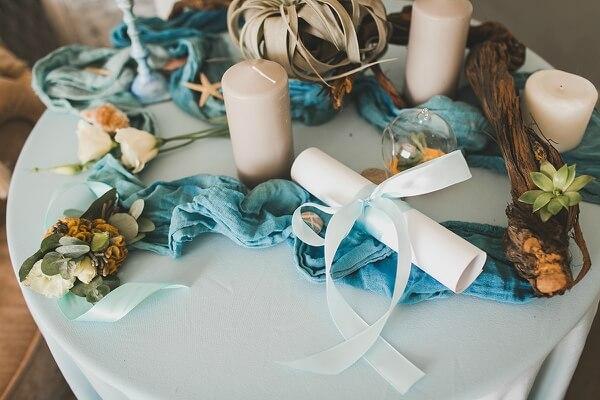 свечи и ленты на свадьбе