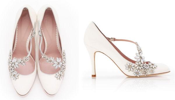 белые свадебные туфли со стразами