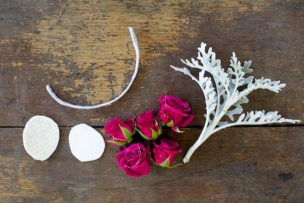 Браслет из цветов подружкам невесты своими руками